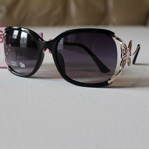 NWT SO Butterfly Adorable Glasses